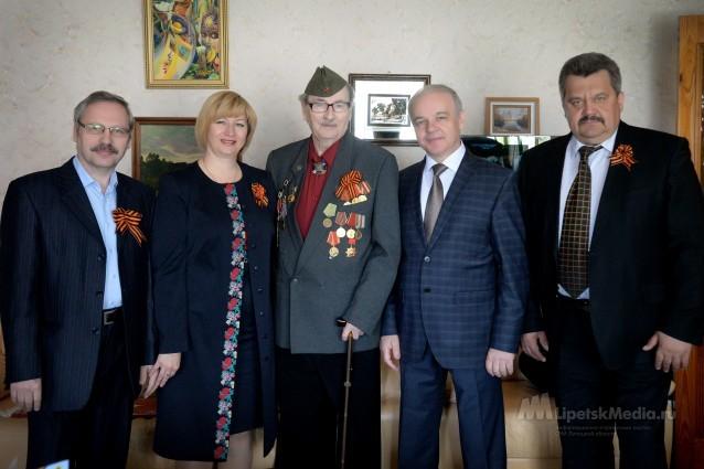 Легендарного липецкого журналиста поздравили с профессиональным праздником